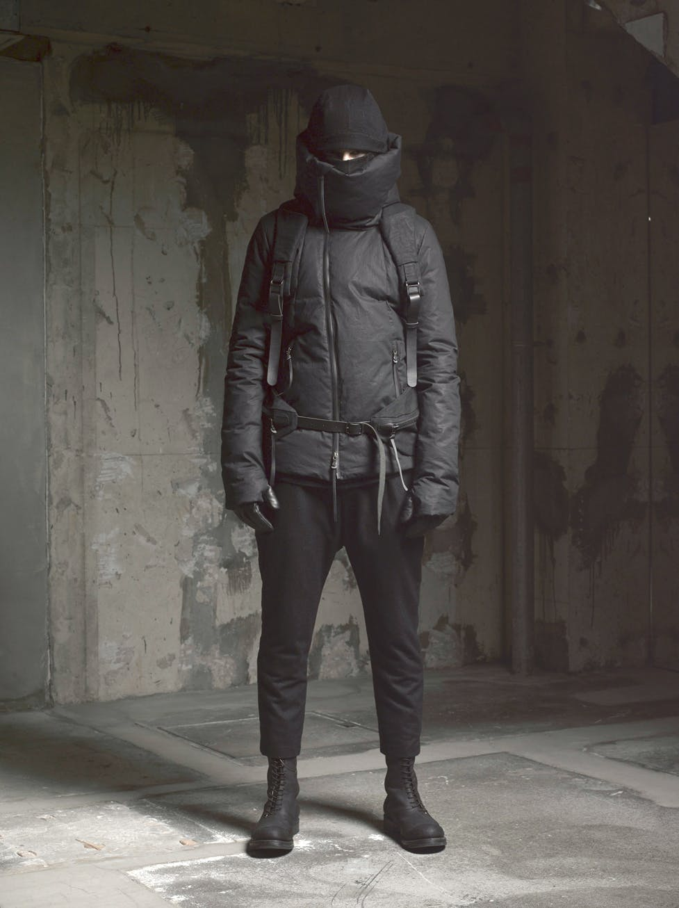 the viridi anne pre autumn winter 2015 menswear high neck padded jacket black cropped trousers black sneakers