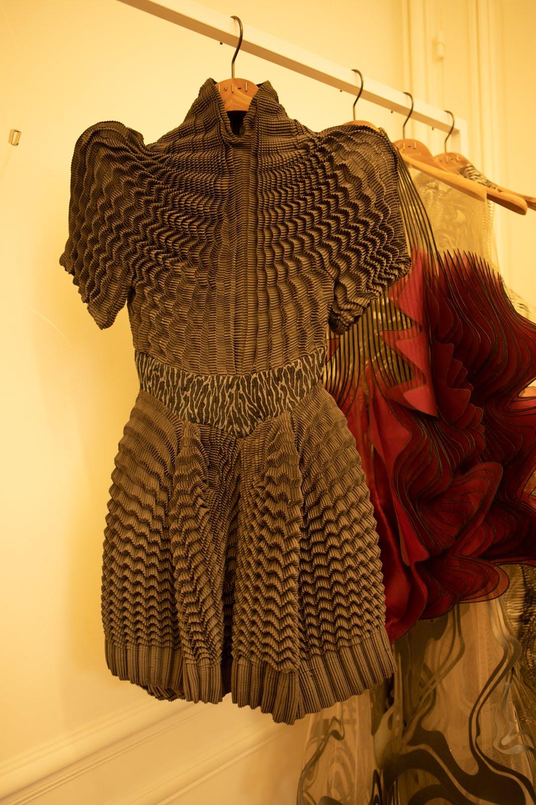 iris van herpen fw20 brown mini dress couture