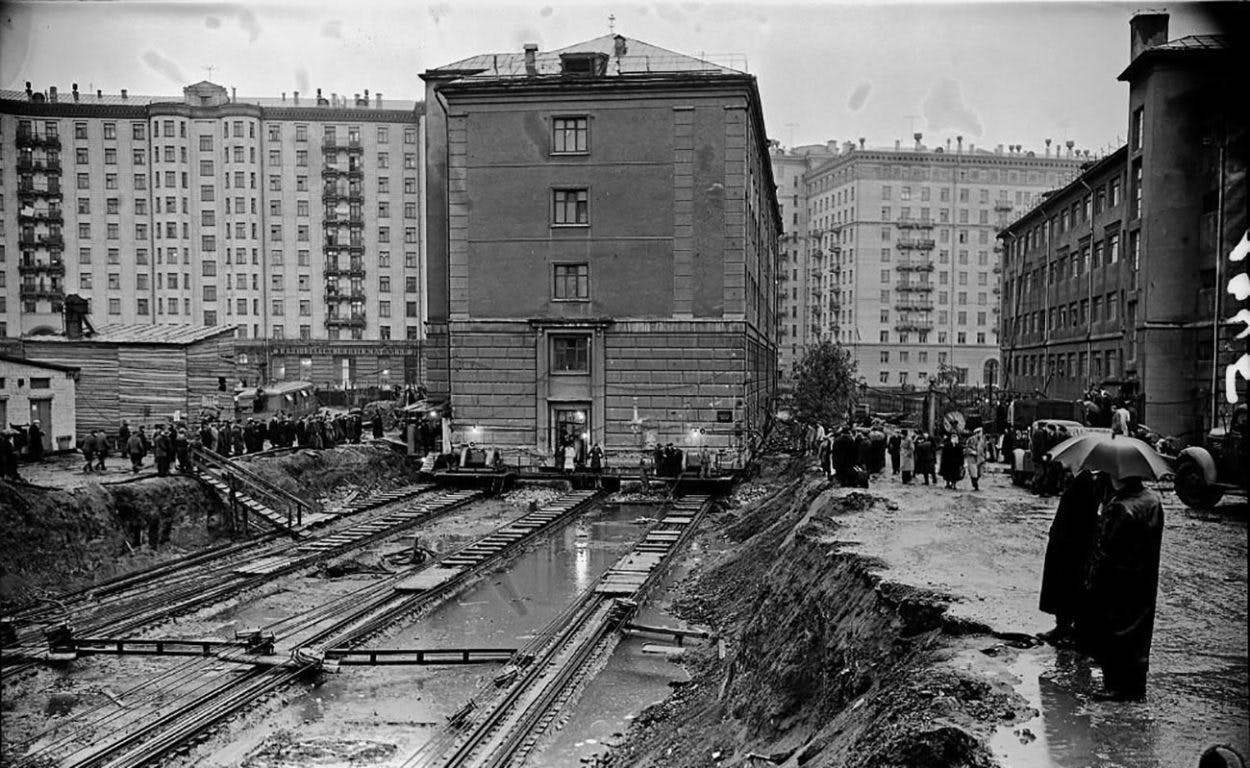 UNUSUAL SOVIET SOLUTIONS TO ARCHITECTURAL CHALLENGES