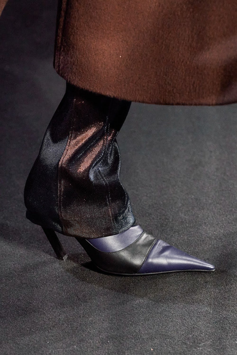 Mugler Runway Details Extra Long Flared Panel Trousers Color-Blocked Leather Heels in Navy and Black Fall 20 RTW