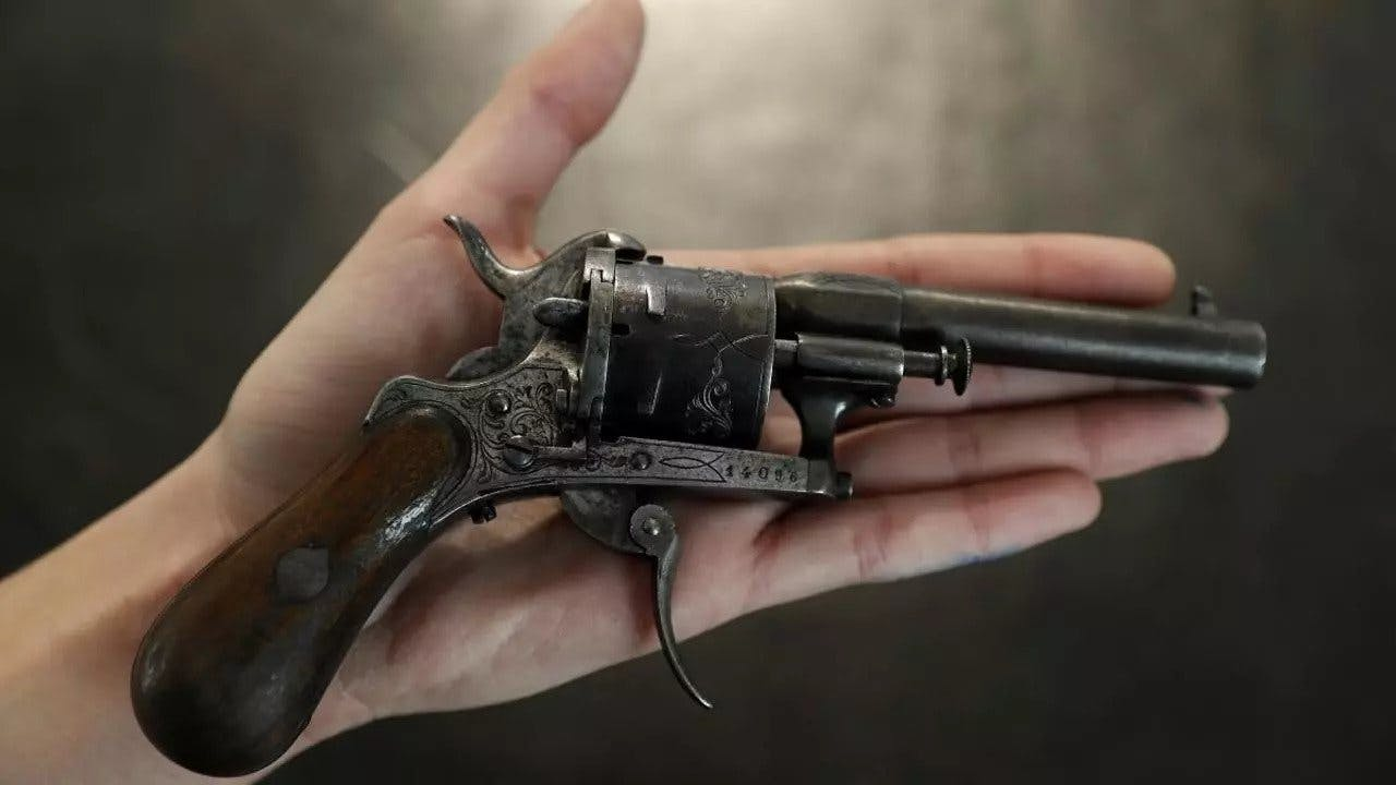 Gun used to shoot Rimbaud sold for €435k in 2016