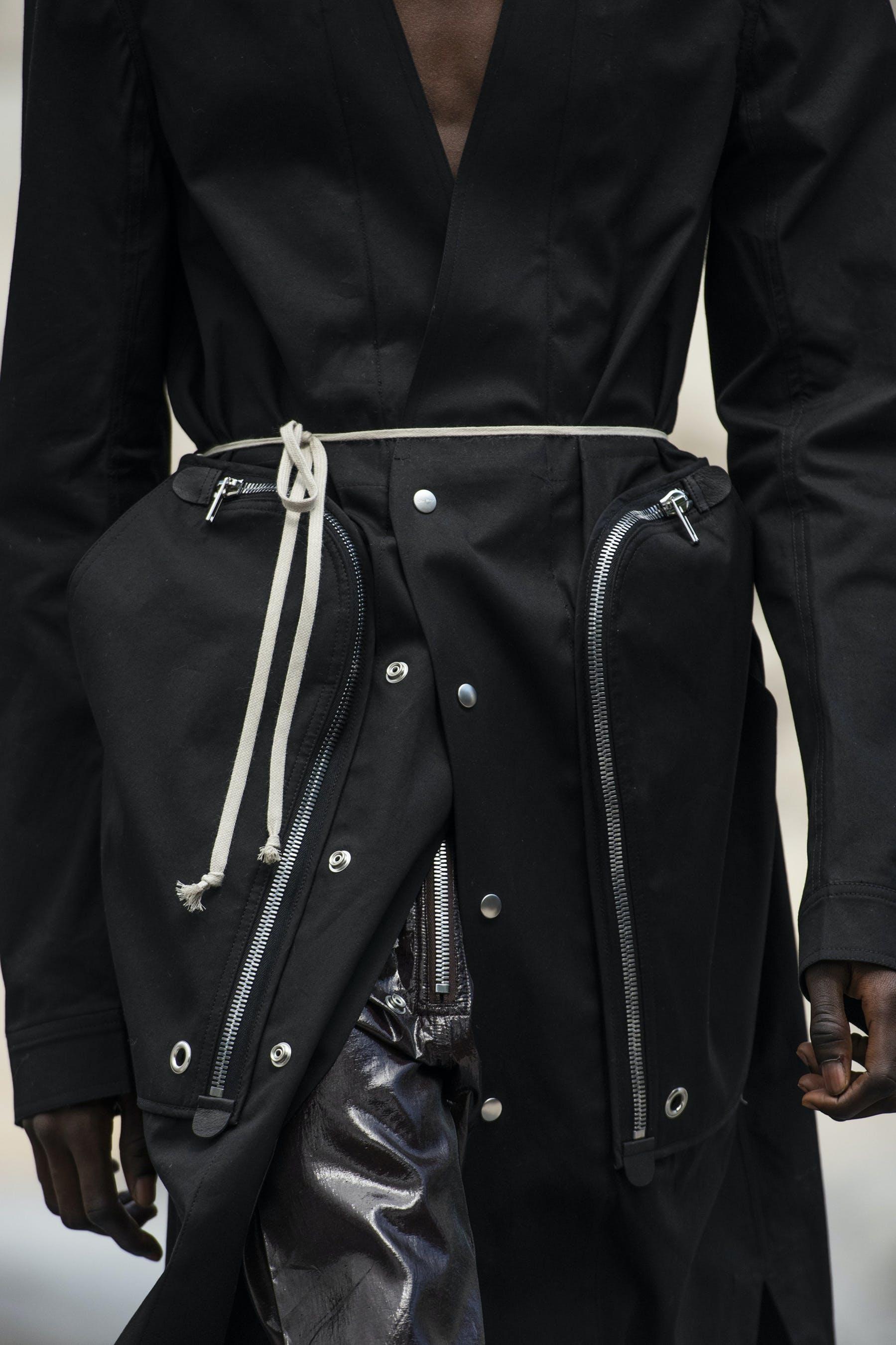 Rick Owens Runway Details Off the Runway Bauhaus Duster In Black Cotton Bauhaus Cargo Pants In Black Lamb Leather Mens SS20 Tecautl