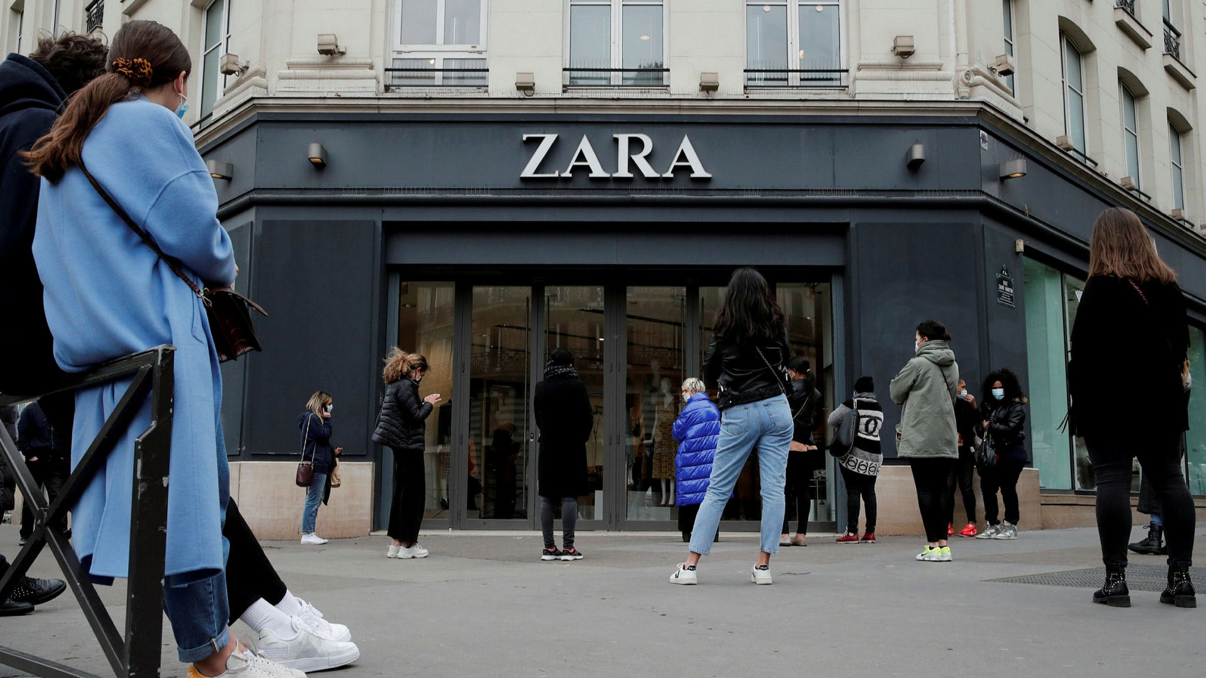 ZARA AND GUESS TO SHUT DOWN OVER 1000 STORES WORLDWIDE