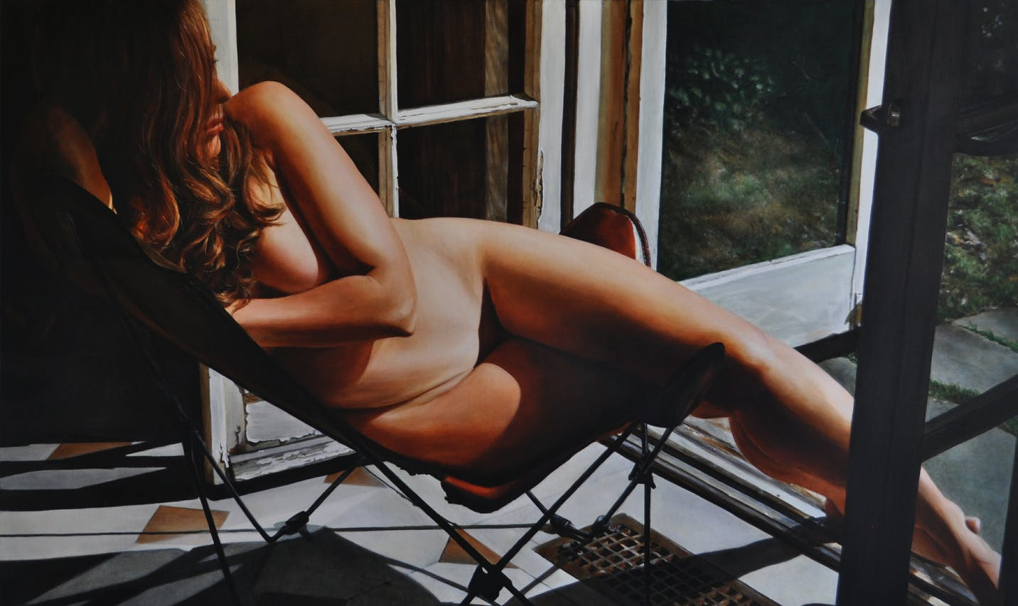 VICTORIA SELBACH'S LIFE-SIZE NUDE DEPICTIONS OF WOMEN