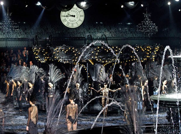 2013: Marc Jacobs and Louis Vuitton - Black Swan Song