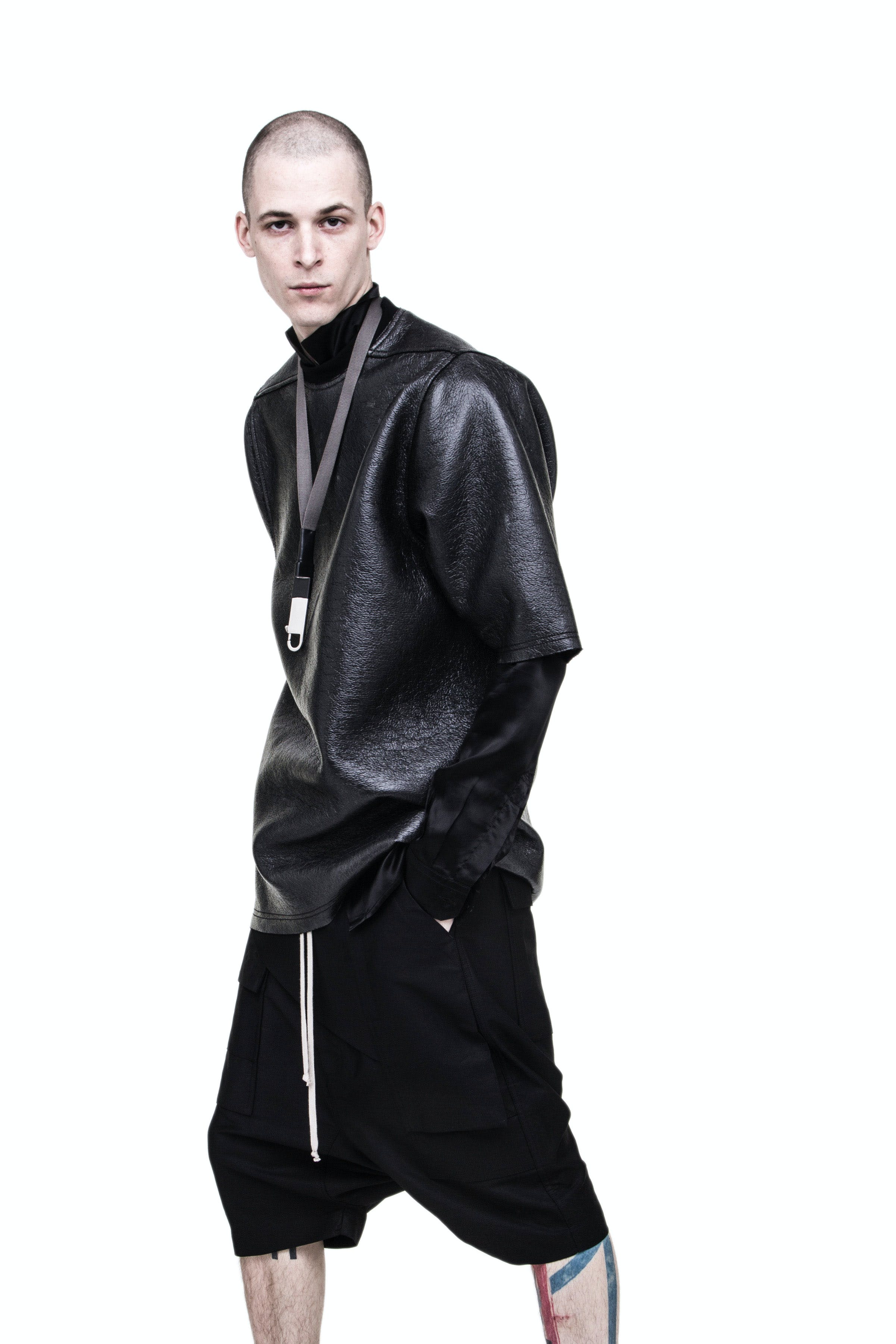 Rick Owens Campaign Oversized Leather T Shirt in Black Memphis Pods in Black Medium Neck Hook Key Chain Mens SS19 Babel