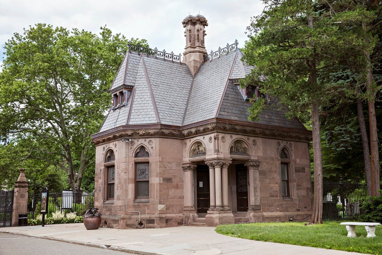 NEW ARTIST RESIDENCY WILL BE LAUNCHED AT GREEN-WOOD CEMETERY IN NY