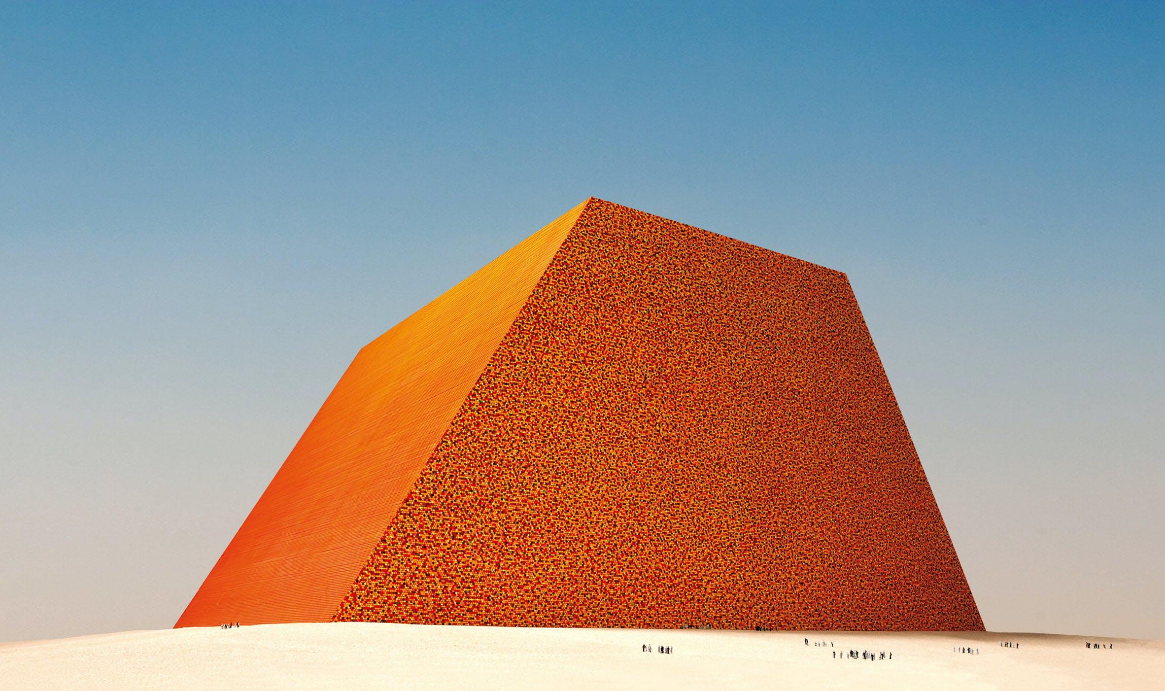 Scale model of The Mastaba for Abu Dhabi, unbuilt.