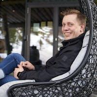 image of Aku Kärki, lomakeskuspäällikkö