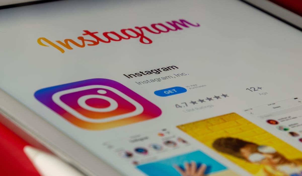 Shopify social media