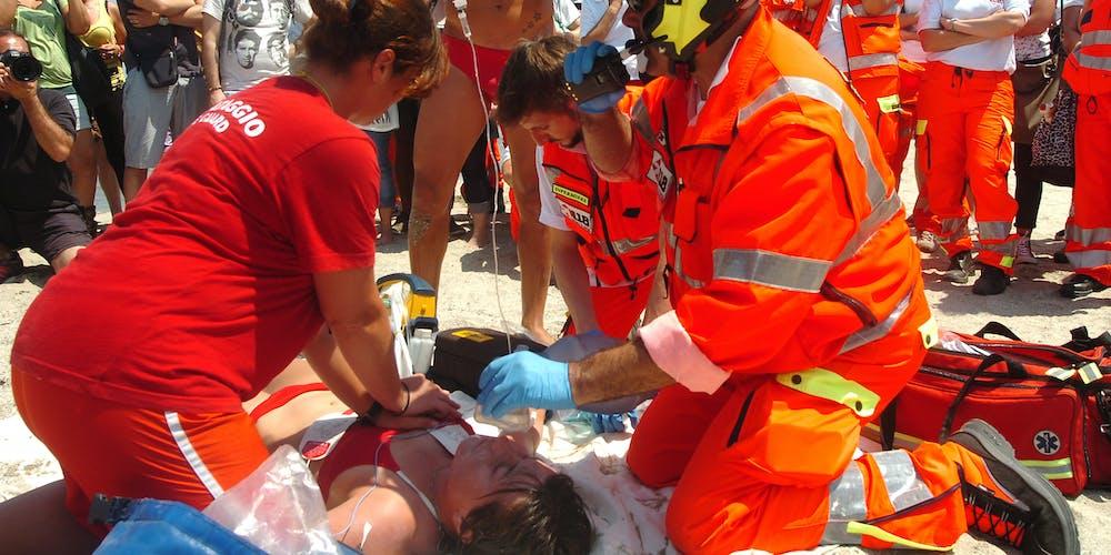 defibrillatore in spiaggia