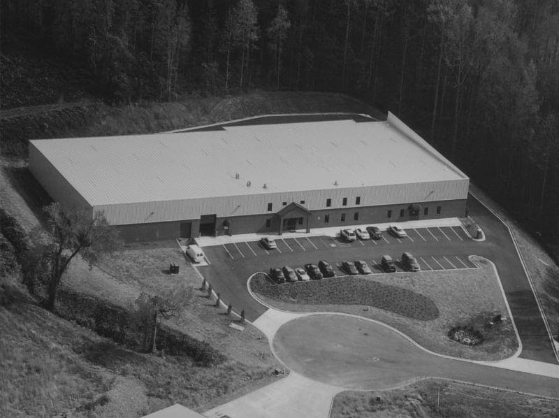 Aerial photo of Delaney's 35,000 square foot warehouse in 2003