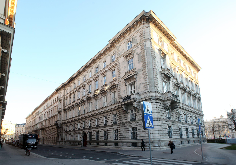 Firmeneinrichtung für Botschaftsgebäude Wien