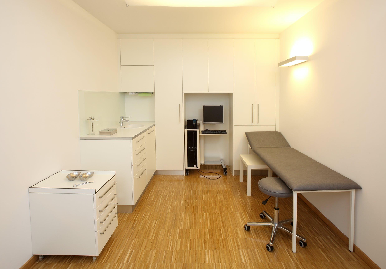 Praxiseinrichtung für Facharzt für Haut- und Geschlechtskrankheiten