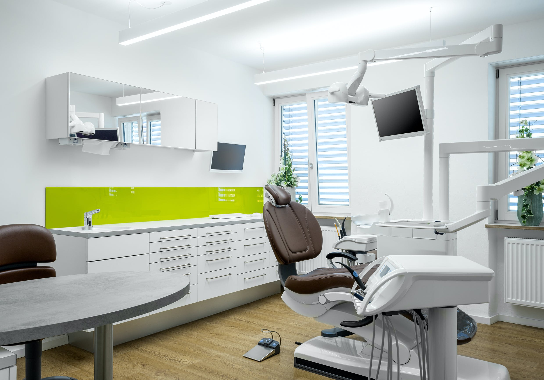 Praxiseinrichtung für Zahnarzt mit Dentallabor