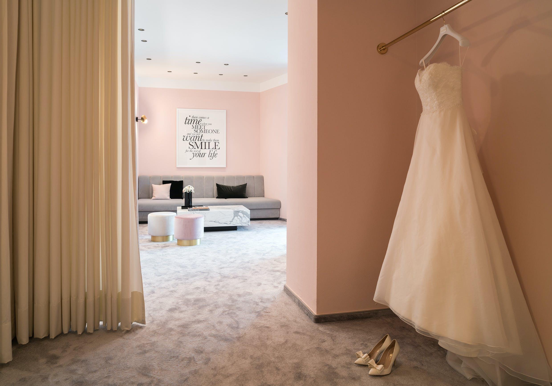 Ladeneinrichtung für Boutique für Brautmode