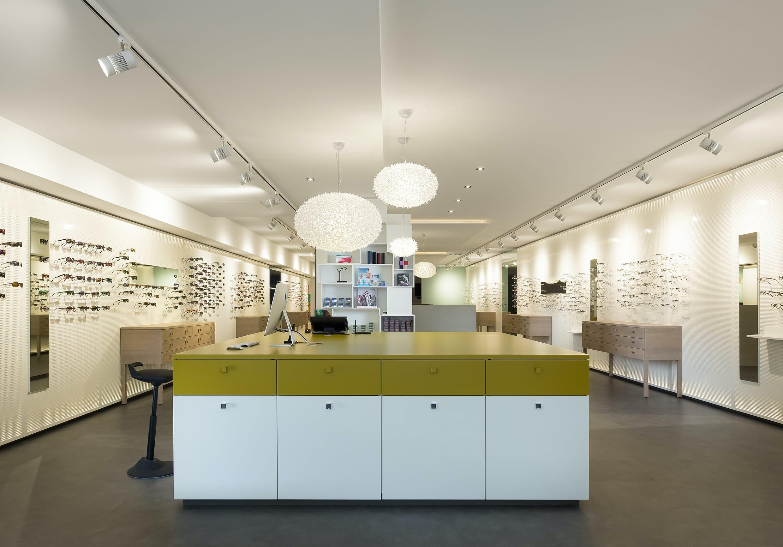 Ladeneinrichtung für Fachgeschäft für Augenoptik und Hörgeräteakustik