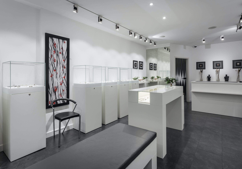 Ladeneinrichtung für Galerie und Werkstatt für Goldschmiedekunst