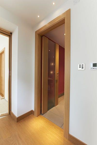 Bespoke Internal Door Gio Glass Natural Oak