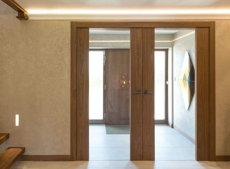 Natural Oak double leaf internal doors - Trem V Glass by Deuren