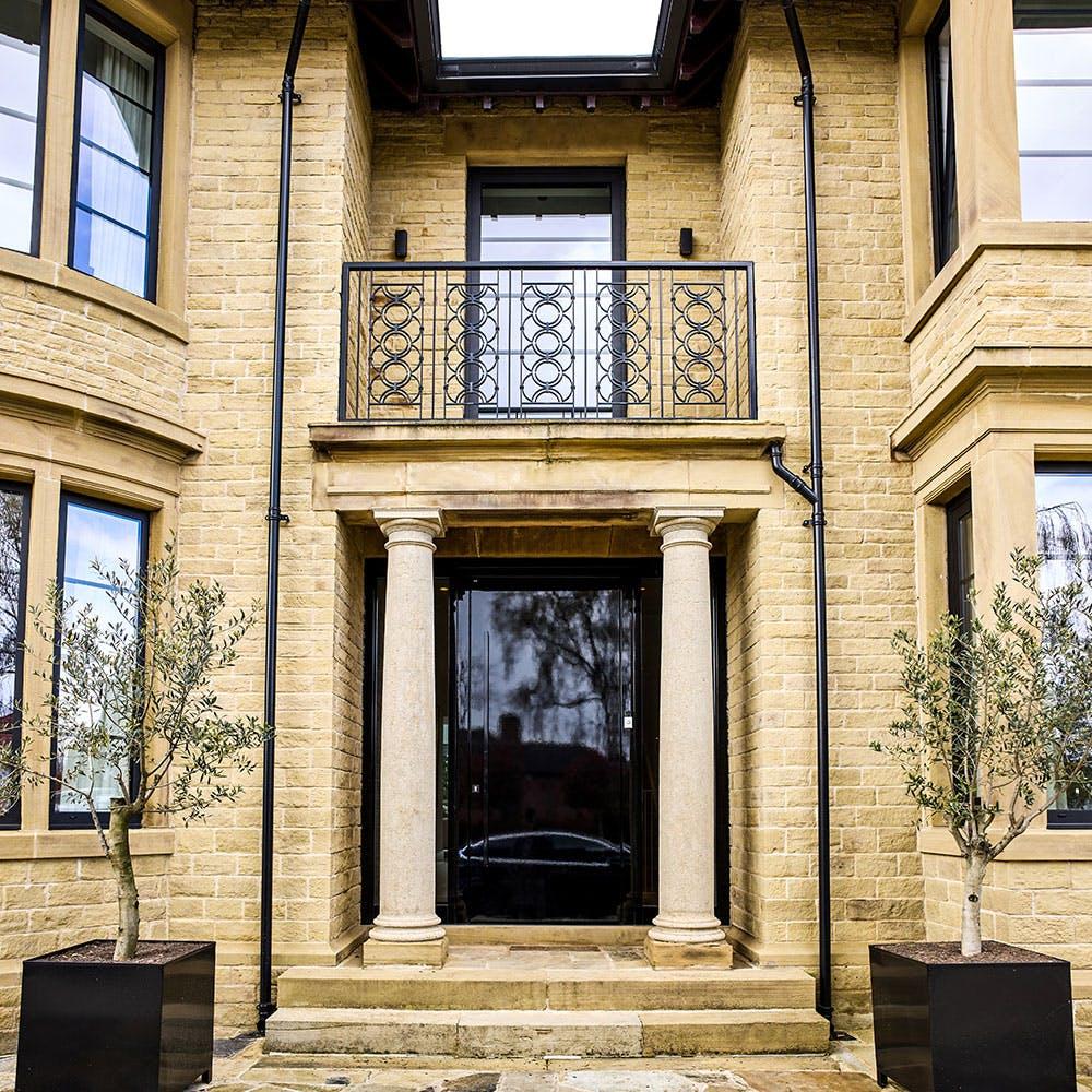 Stunning Doors To Suit Breathtaking Natural Surroundings