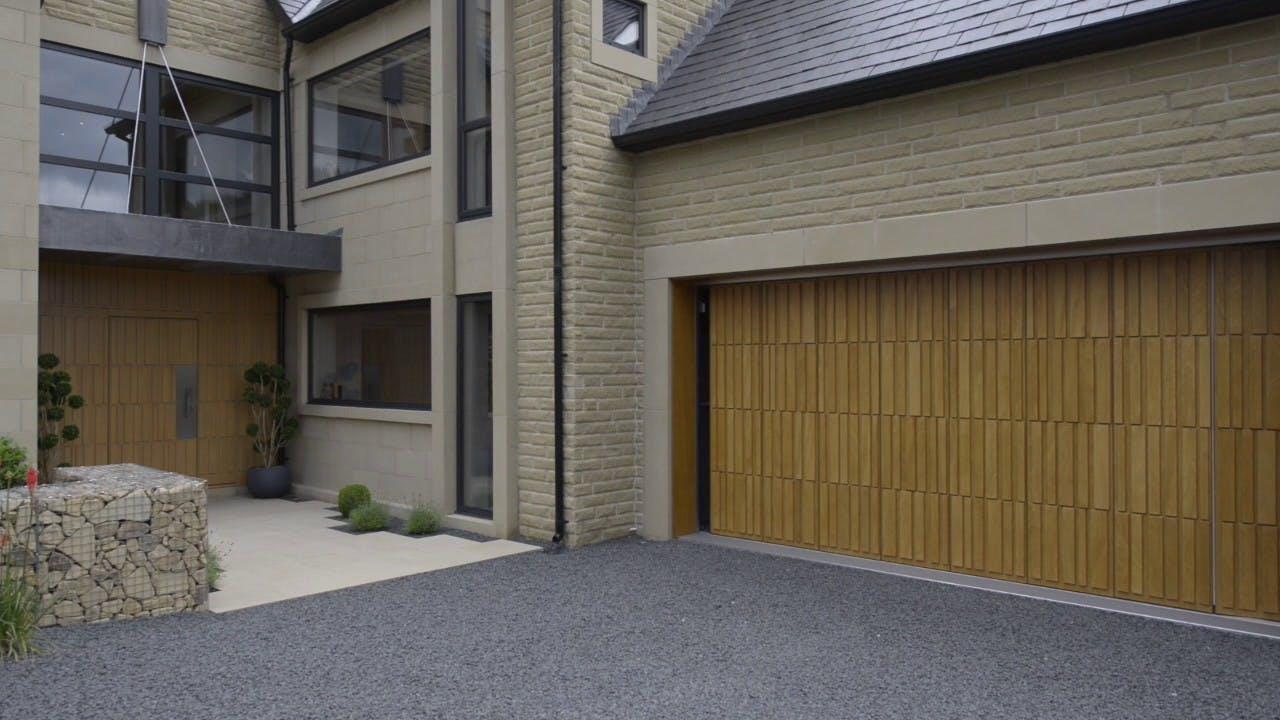 DEUREN SIDE SECTIONAL GARAGE DOOR
