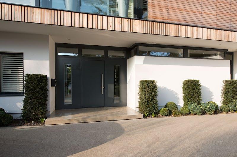 How to choose the best luxury front door
