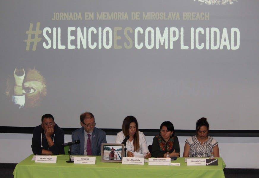 Periodistas, en el fuego cruzado de la narcopolítica