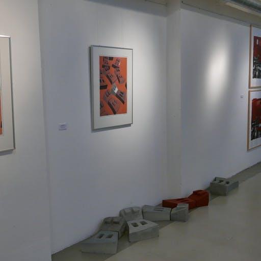 """Blick in die Ausstellung """"AUS DEM DRUCK"""", Künstlerhaus im Kulturspeicher, Würzburg"""