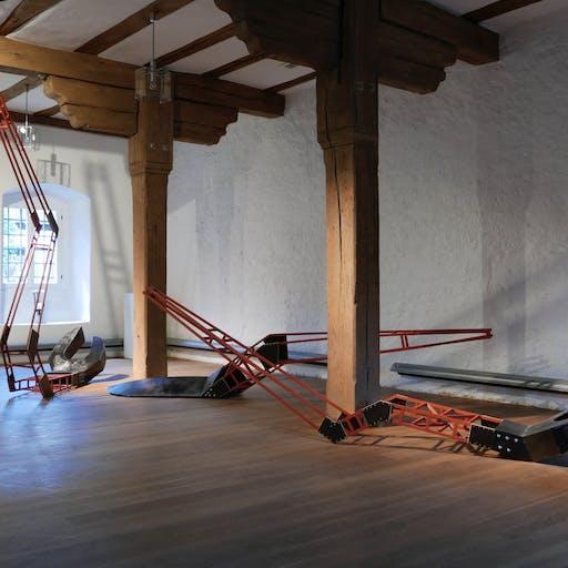 """Blick in die Ausstellung """"unfinshed spaces"""", Kloster Wechterswinkel"""
