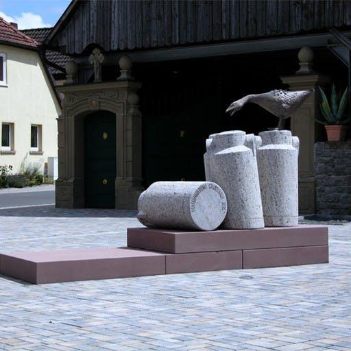 Dorfplatzgestaltung in Gauaschach,  Ausgeführte Arbeit