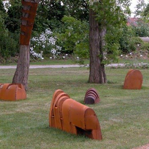 Transportlinie, Stahl und Holz
