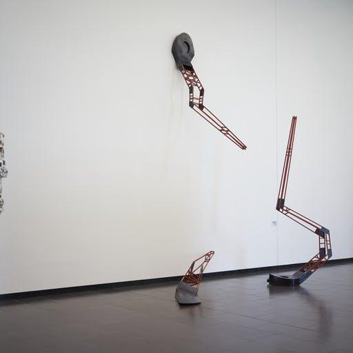 """Blick in die Ausstellung """"RAUMZUSTÄNDE BILDHAUEREI HEUTE, IV. Triennale, Fokus Franken"""", Kunsthalle Schweinfurt"""