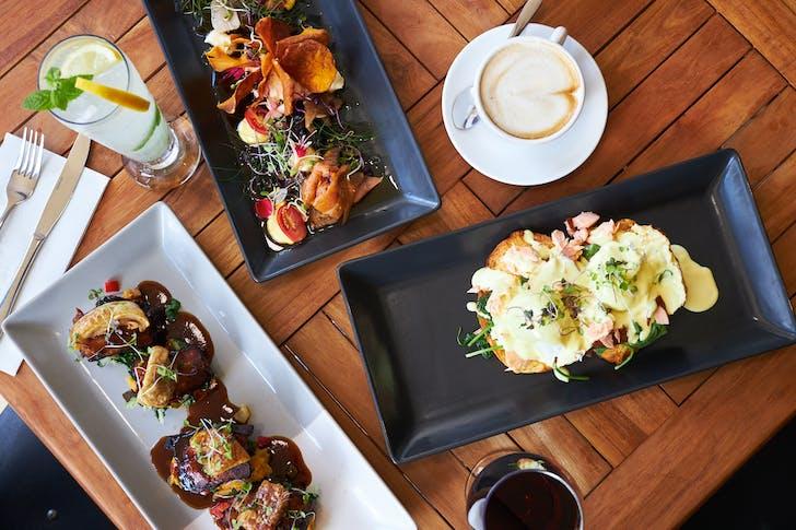 Montrose Cafe, Mairangi Bay