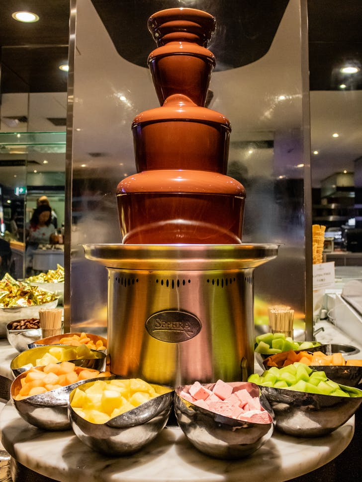 Eight's Chocolate Fondue Fountain