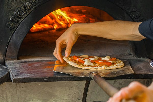 the franklin's wood fired pizzas
