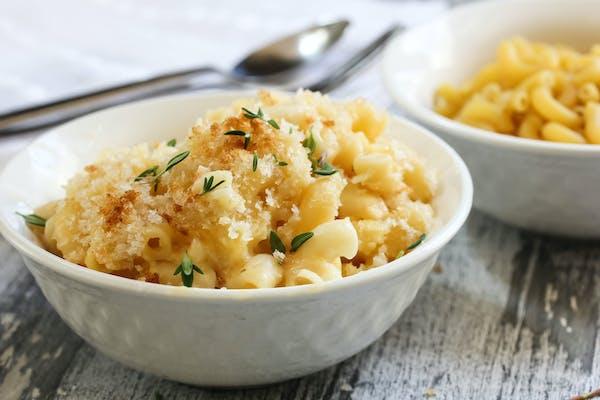 Mac n cheese in a bowl
