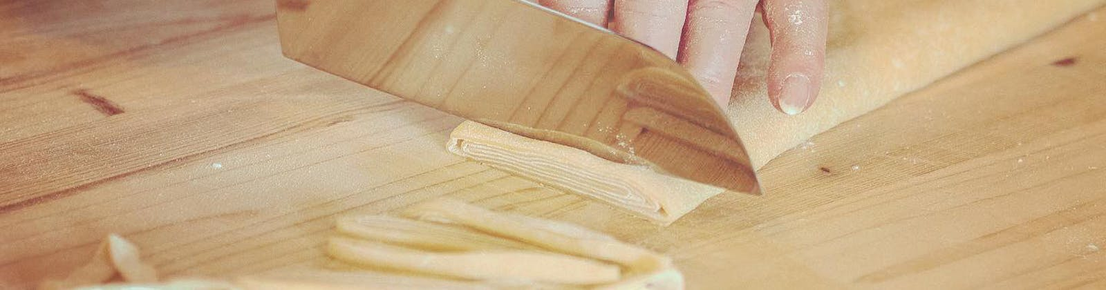 Nonna Nerina cutting gluten free pasta