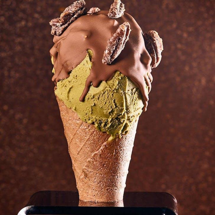 Giapo's Oolong and Matcha Ice Cream Cone