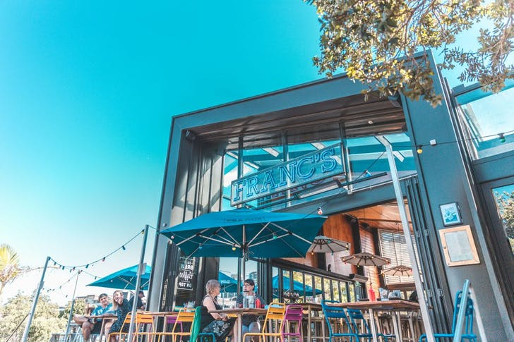 Franc's sits on The Strand by the beautiful Takapuna Beach
