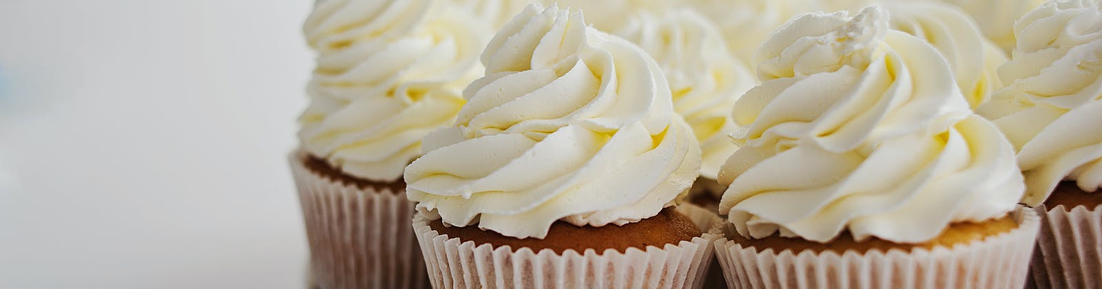 vanilla cupcakes with frosting