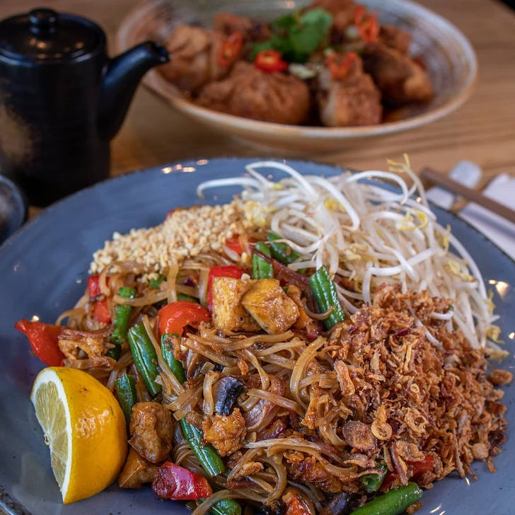 Big Fish Eatery's Chicken Pad Thai.