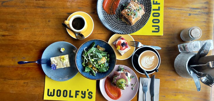 Woolfy's will now be open for dinner and drinks Thursday - Saturday.