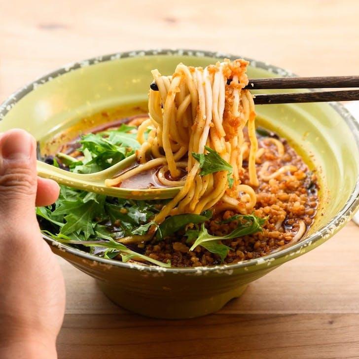 Dan Dan Noodles In Spicy Sauce (Source: Eden Noodles Cafe)