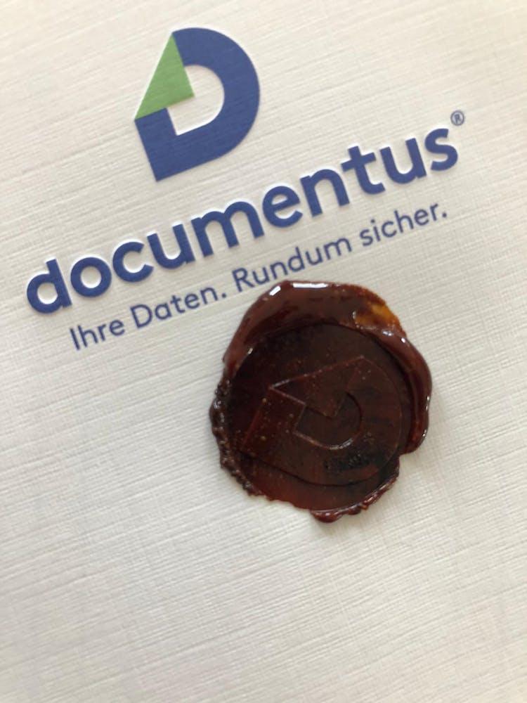 documentus Logo mit Wachssiegel