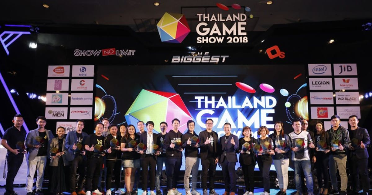 Staff of the event welcoming event attendees to start Thailand Game Show 2018.