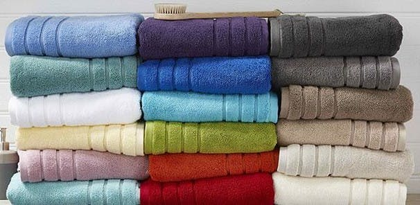 With their plush deep pile and generous weight, our Ultimate towels offer superior softness. Made from 100% zero twist cotton for sumptuous texture and high absorbency, these luxurious thick towels are the perfect way to add some indulgence to your bathroom.