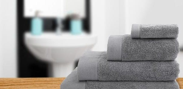 Using nothing but premium quality American-grown Supima cotton, these indulgently thick towels combine superior absorbency and minimal shedding with an opulent look and incredible softness that will last.