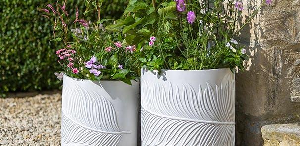 PLANT POTS & PLANTERS