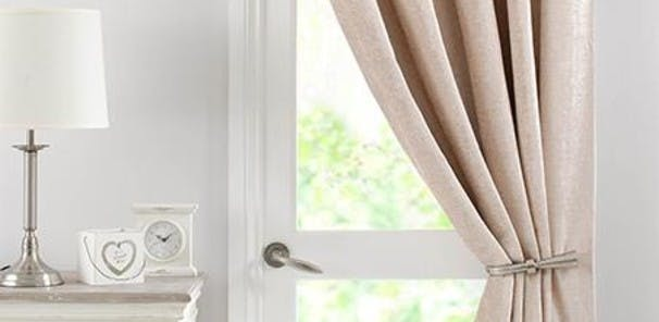 Sold as a single curtain - Can offer thermal insulation, block light and exclude draughts - Eyelet or pencil pleat in a choice of styles and colours